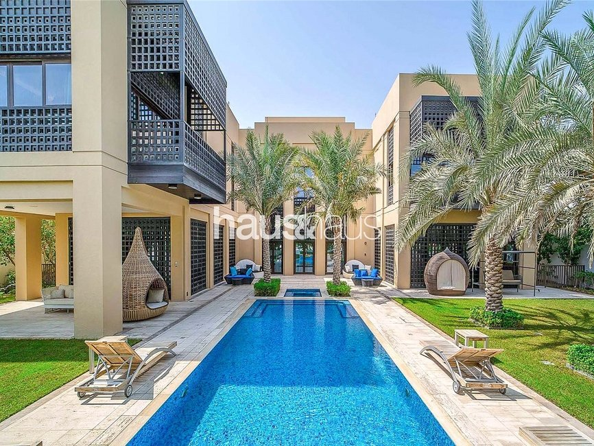 7 bedroom Villa for sale in District One Villas - view 1