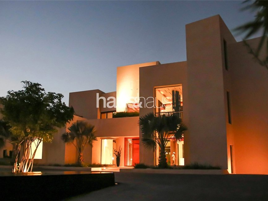 7 bedroom Villa for sale in Sector E - view 17