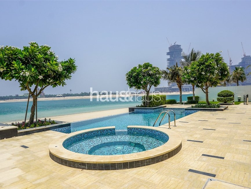 6 bedroom Villa for sale in Signature Villas Frond G - view 1