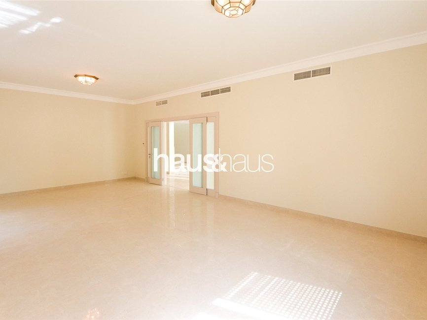 5 bedroom Villa for rent in Sector E - view 6