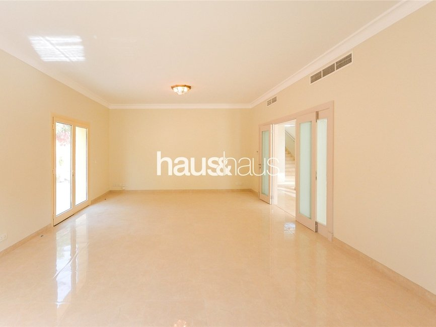5 bedroom Villa for rent in Sector E - view 10