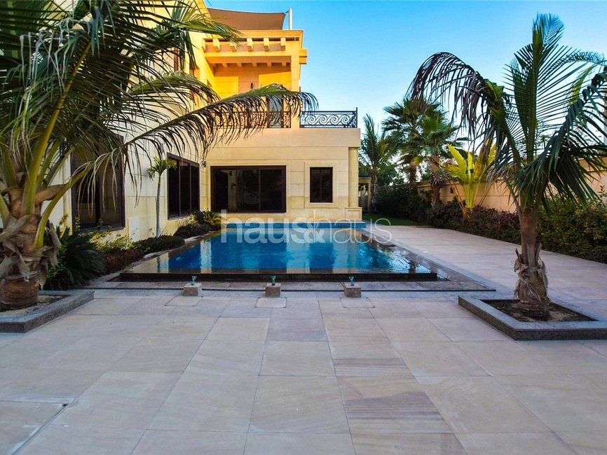 6 bedroom Villa for rent in Sector E - view 4