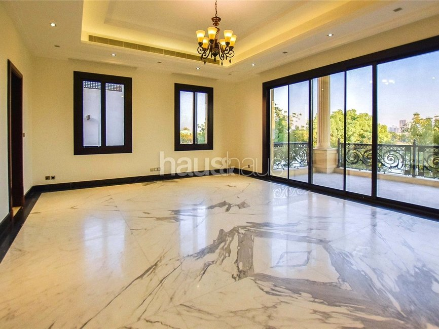 6 bedroom Villa for rent in Sector E - view 2