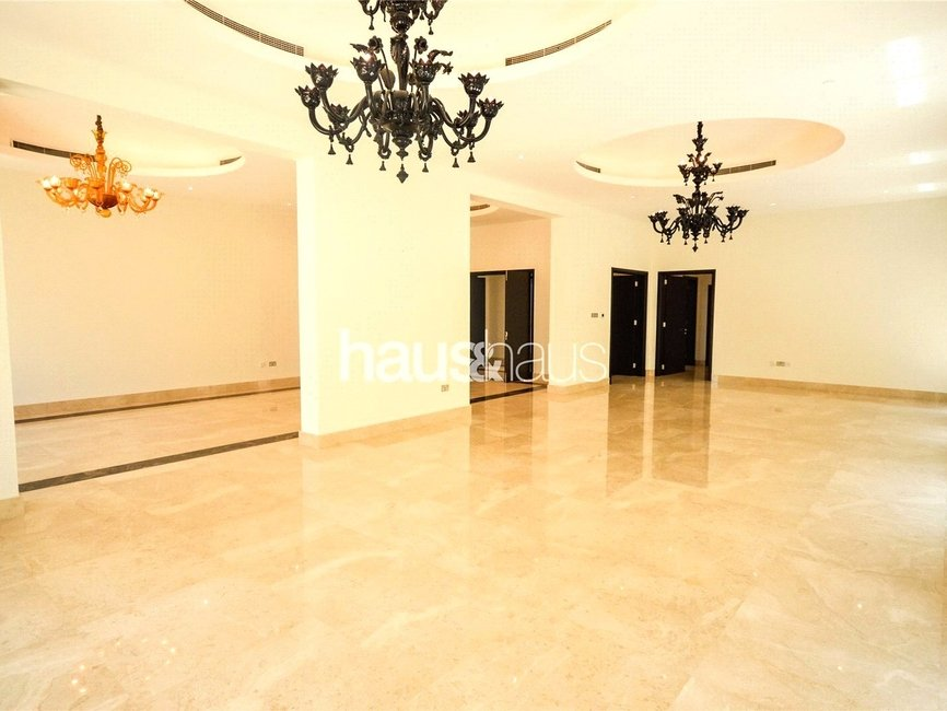 7 bedroom Villa for rent in Sector R - view 4