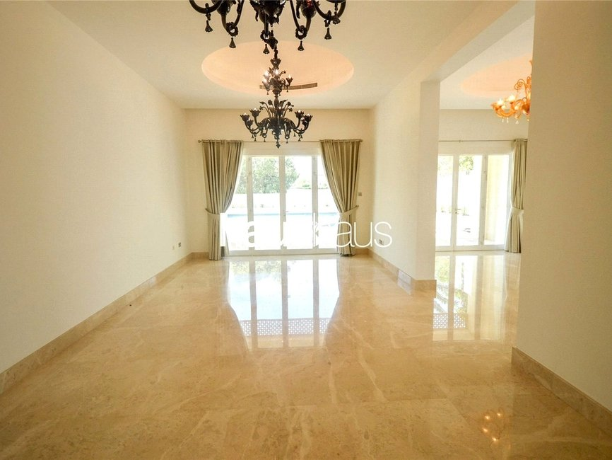 7 bedroom Villa for rent in Sector R - view 5