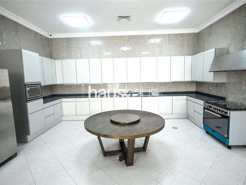 7 bedroom Villa for rent in Sector R - view 10
