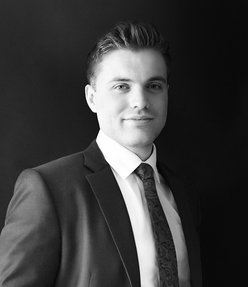 Harry Roberts Emirates Living Specialist