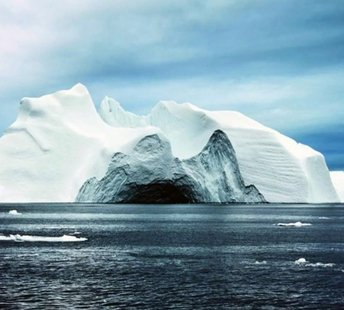 latest news UAE firm planning to tow icebergs from Antarctica to start testing this year